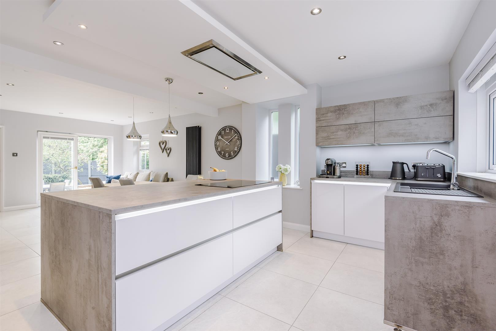 4 bedroom detached house For Sale in Bolton - DSC_6402.jpg.